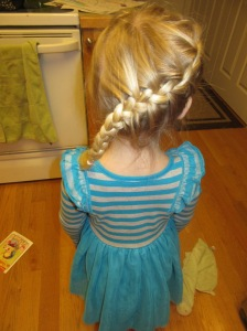 Mommy's best Elsa braid